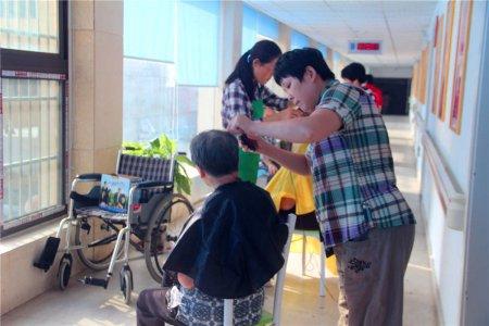 合肥佛教生命关怀团探望养老院 志愿服务温暖老人心