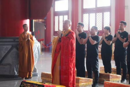 开福寺举办端午吉祥消灾法会,为高考学子祈福